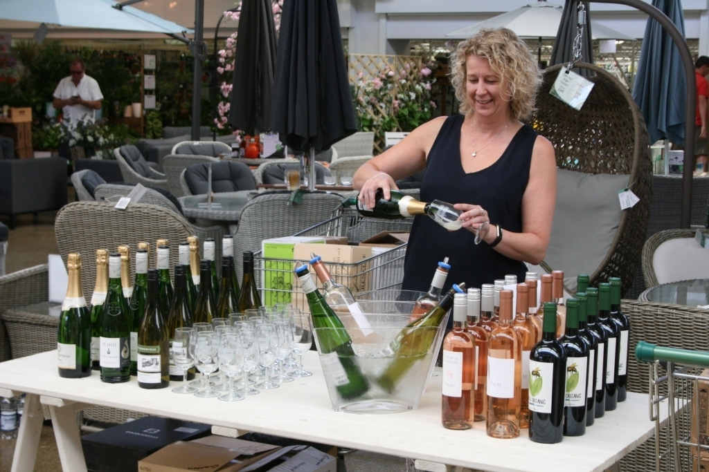 Wine tasting at Garsons summer food fair - small.jpg